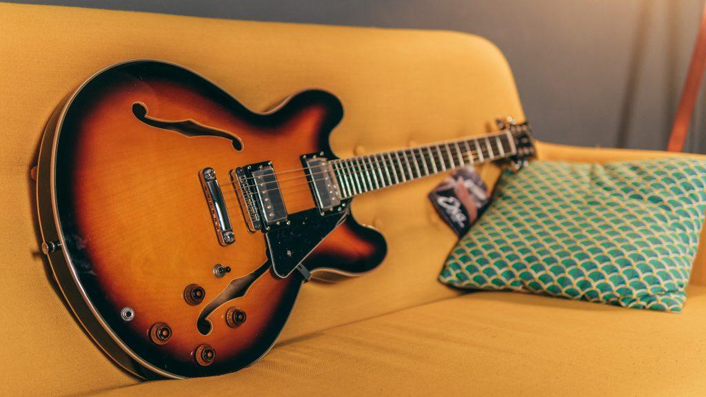 chitarra elettrica EKO SA350