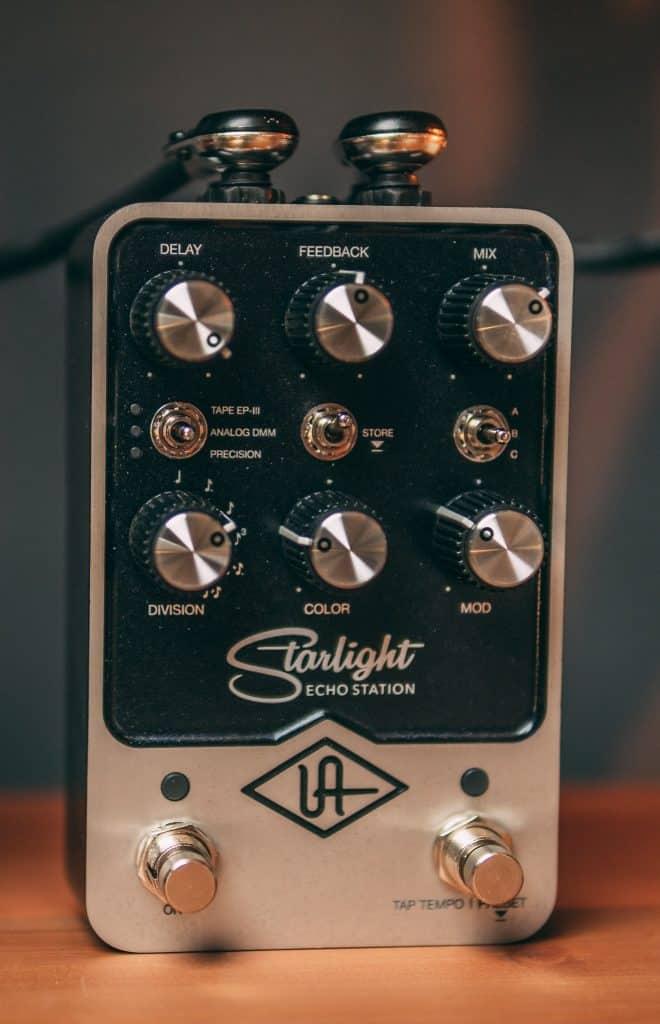 pedale delay per chitarra universal audio starlight echo station