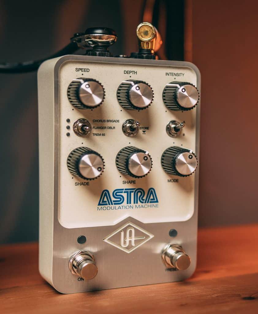 pedale modulazione per chitarra universal audio astra modulation machine
