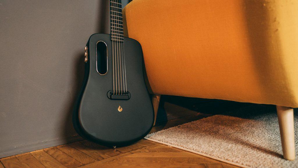Chitarra in fibra di carbonio Lava Music Me 2