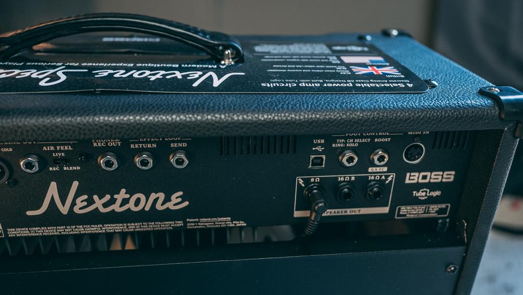 pannello posteriore dell'amplificatore BOSS Nextone Special per chitarra elettrica